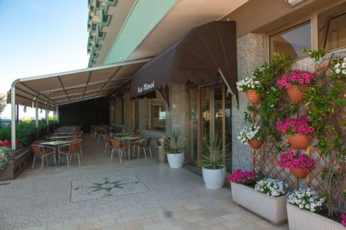 Hotel Metropol, zona ingresso e veranda